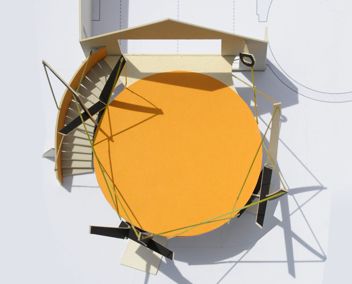 The model of LSO terrace, a sculptural circular platform suspended by stainless steel cables. Built in the Sevenoaks green belt, this unique project was design by Hawkes Architecture.
