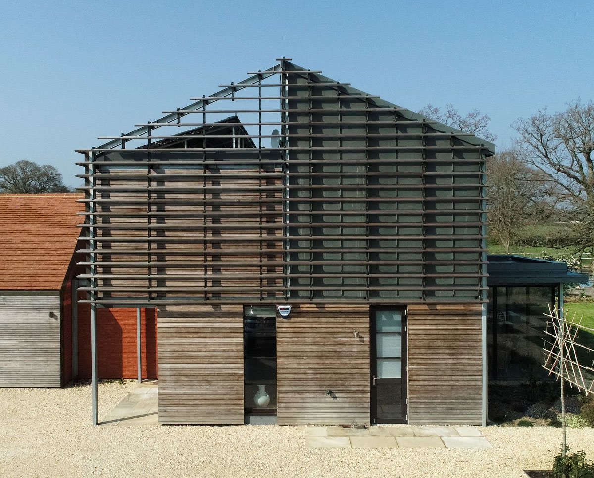 The east elevation of Echo Barn (Para 55). Designed by Hawkes Architecture, this energy efficient grand design, follows passive house principles.