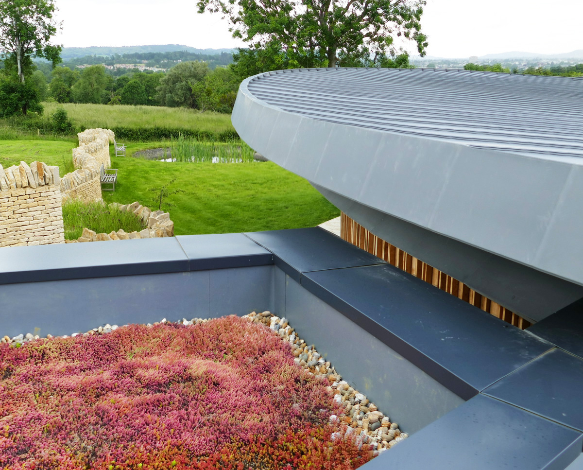 The sedum & zinc roof at Headlands (Para 55). Designed by Hawkes Architecture, this energy efficient grand design, follows passive house principles.