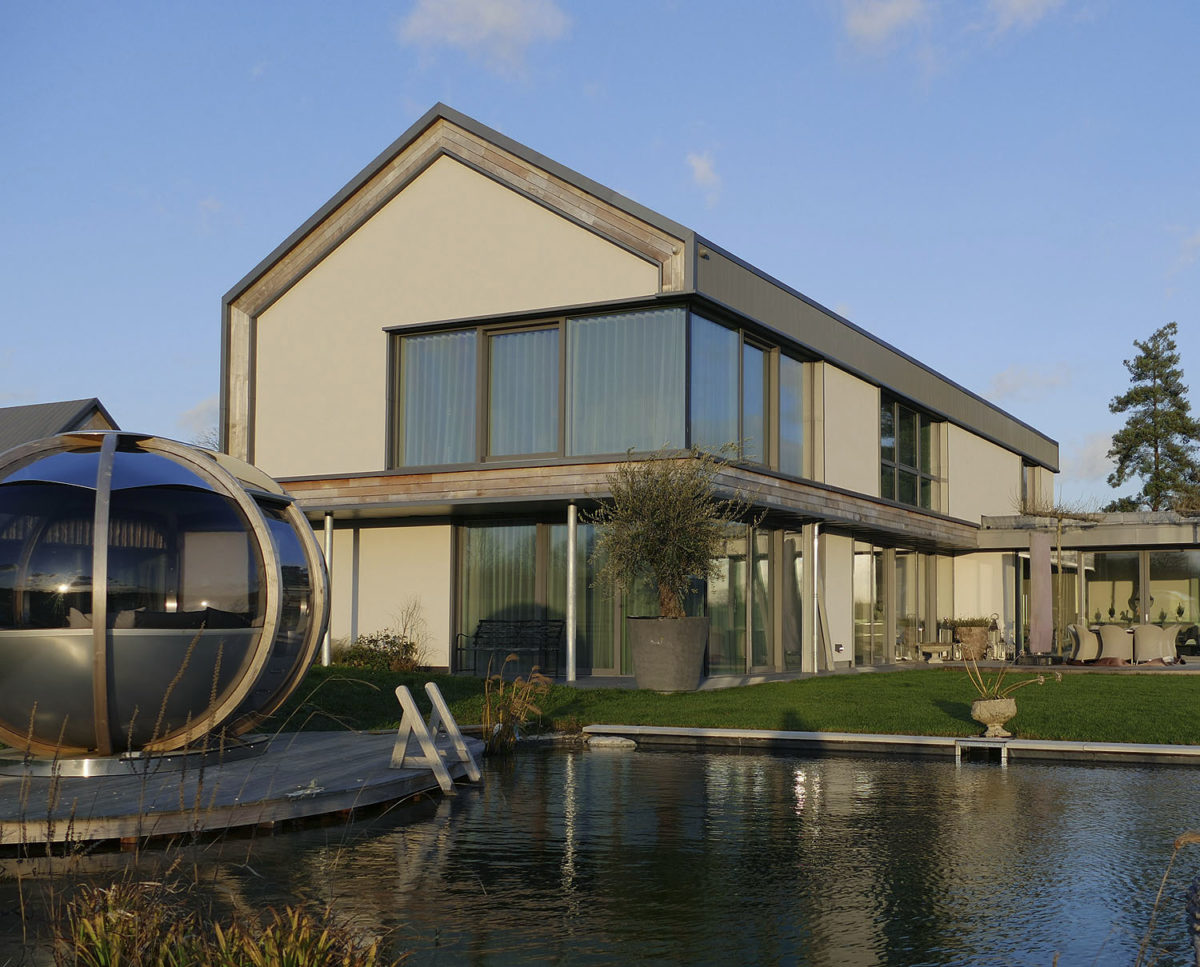 View Point (Para 55). Designed by Hawkes Architecture, this energy efficient grand design, follows passive house principles.