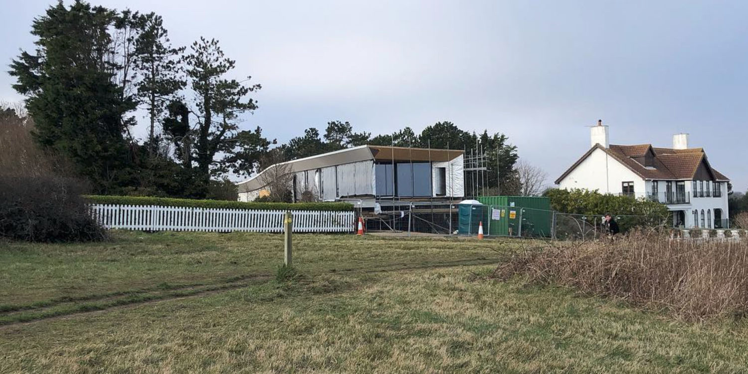 Construction at Cliff Top House (Para 55). Designed by Hawkes Architecture, this energy efficient grand design, follows passive house principles.