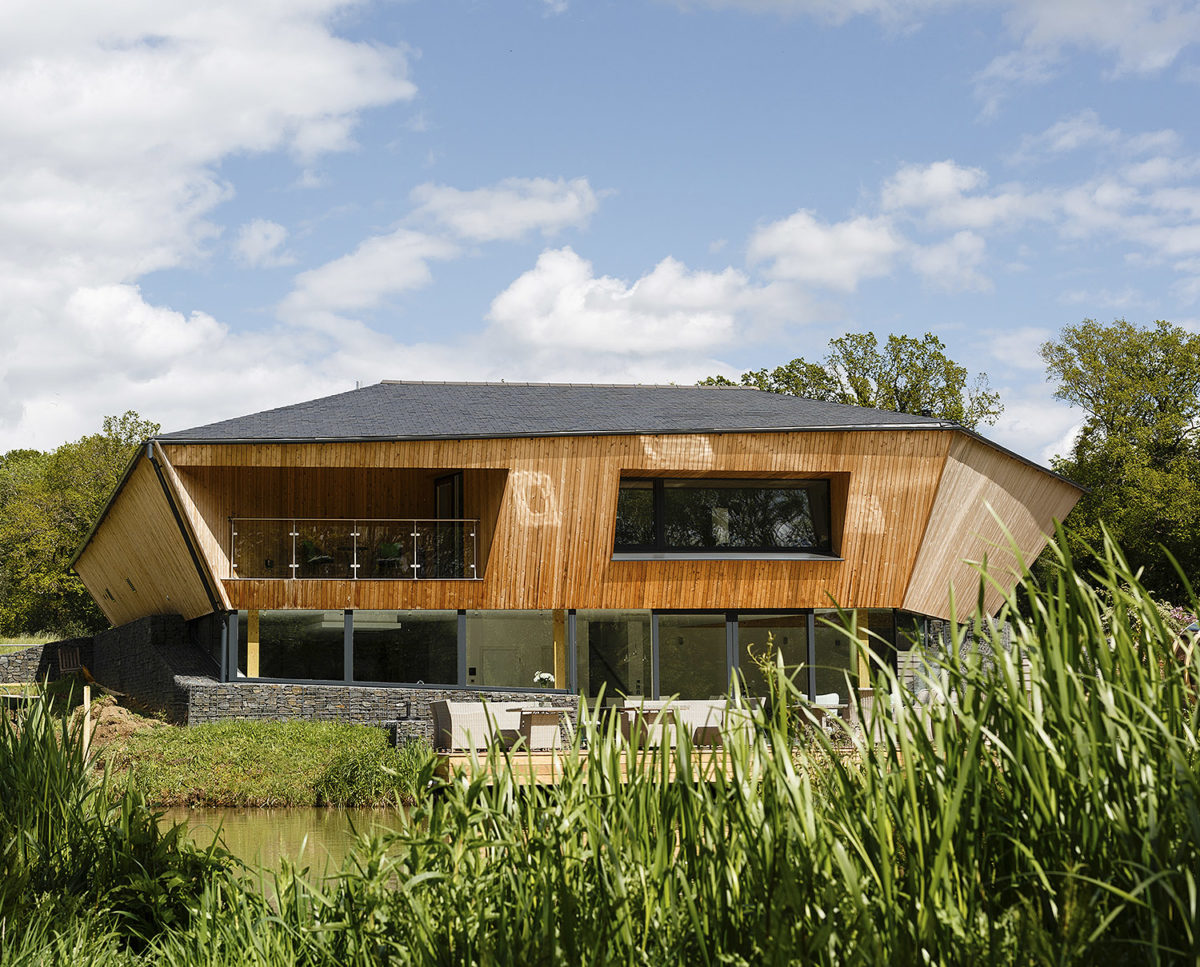 Exterior of Brooks Barn (Para 55). Designed by Hawkes Architecture, this energy efficient grand design, follows passive house principles.