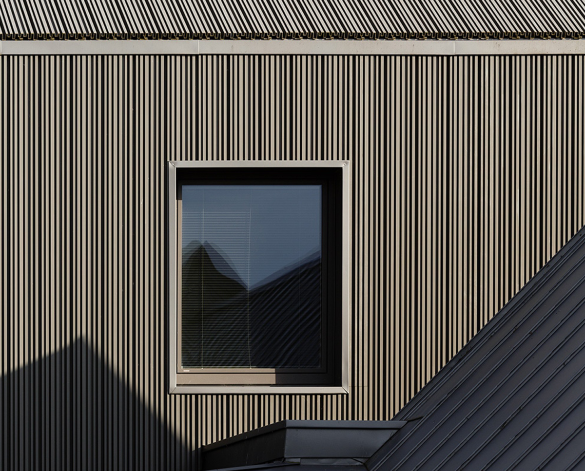 Aluminium extrusion detail of View Point (Para 55). Designed by Hawkes Architecture, this energy efficient grand design, follows passive house principles.